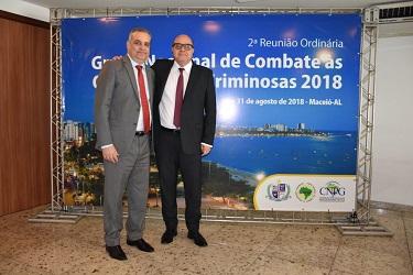 Presidente do CNPG prestigia em Maceió a posse do novo presidente do GNCOC